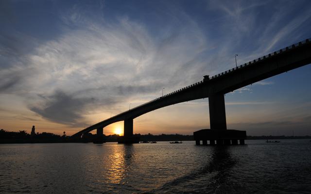 キズナ橋   カンボジア クロマー...
