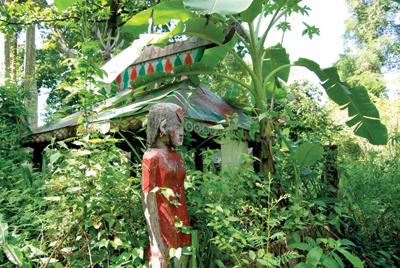 木像は生前の姿や職業なども反映して作られる