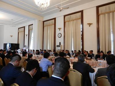 2016年3月に開催された官民合同会議。カンボジア政府、日本政府・商工会等から多数が参加した