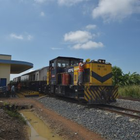 プノンペン⇔ポイぺトを結ぶ鉄道が45年ぶりに再開