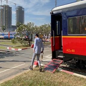 【動画】電車の車両がカフェに?「Royal Train Coffee」